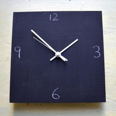 Paint It Green Tafeluhr Green Clocks, Clock Painting, Chalkboard Paint, Paint Ideas, Stuff To Buy, Articles, Home Decor, Products, Home