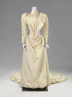 1891, the Netherlands - Silk wedding dress by Espérance Pos