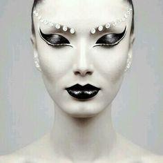 Alien Makeup                                                       …