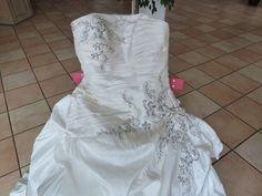 Robe de mariée blanche-dentelle-perle doccasion  Robes de mariée ...