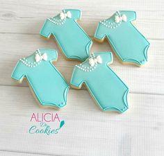 Alicia Do Cookies Baby Girl Cookies, Onesie Cookies, Cookies For Kids, Fancy Cookies, Iced Cookies, Cute Cookies, Sugar Cookies, Baby Shower Treats, Baby Shower Cookies