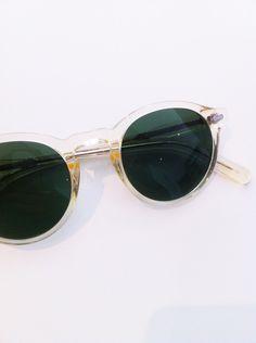 12 melhores imagens de oculos no Pinterest   Óculos, Celebridades e ... 8f4197ff64