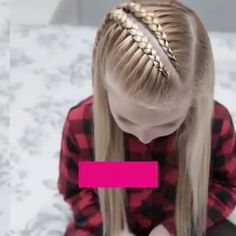 Lace braid tutorial so simple to do and too beautiful coole flechtfrisuren frs oktoberfest! Braided Hairstyles, Cool Hairstyles, Picture Day Hairstyles, Beautiful Hairstyles, Curly Hair Styles, Natural Hair Styles, Girl Hair Dos, Hair Upstyles, Lace Braid