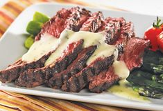 Grilled flank steak with béarnaise sauce Sauce Béarnaise, Saq, Bearnaise Sauce, Kiss The Cook, Flank Steak, Beef Recipes, Grilling, Mets, Cooking