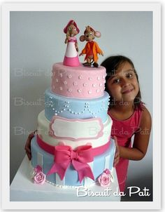 Cinderela - Bolo falso by Biscuit da Pati, via Flickr Edible Creations, Cake Creations, Fondant Cake Toppers, Cupcake Cakes, Prince Cake, Birthday Cake Girls, Birthday Cakes, Fake Cake, Dream Cake