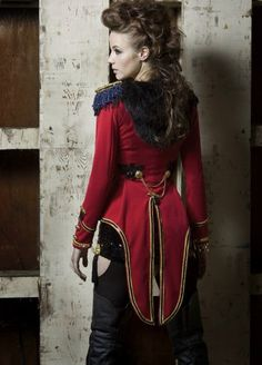 Ringleader. How to Make a Ring Leader / Ringmaster or Lion Tamer Costume - Stitch Rippers - Tearing up Style - DIY Fashion