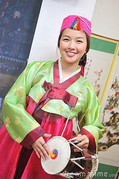 Korean woman dressed in hanbok