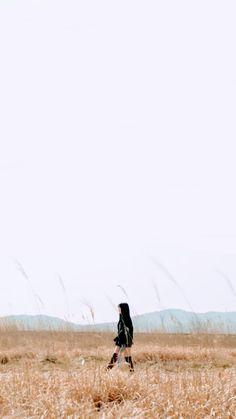 #gfriend #sinb #yuju #sowon #yerin #umji #eunha #wallpaper #icon #kpop K Wallpaper, Summer Wallpaper, Kpop Girl Groups, Kpop Girls, Rain Wallpapers, Sinb Gfriend, Jung Eun Bi, Summer Rain, G Friend