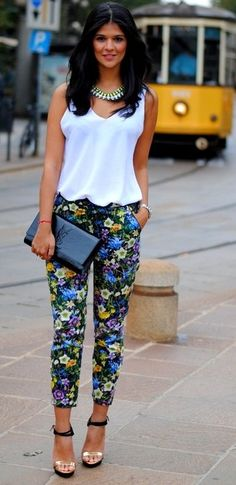 Estampa Floral Classy Outfits, Cool Outfits, Summer Outfits, Casual Outfits, Fashion Outfits, Printed Pants Outfits, Floral Pants Outfit, Trajes Business Casual, Work Fashion