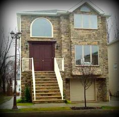 Daily Sold Home: 21 Brookside Loop, Rossville, sold by RealEstateSINY.com's Marina Sticberg for $780,000. www.realestatesiny.com #RealEstateSINY #StatenIsland #NewYork #DailySoldHome #Rossville