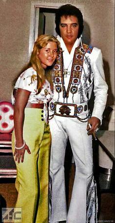 Elvis with a fan......<3 Mempis June 10 1975......<3