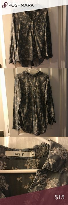 Love 8 size Large Lyocell gray Floral top 100% Lyocell gray Floral top, never worn. Smoke free home. love 8 Tops Blouses