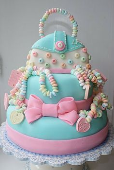 Girly Purse Cake Love This!I think of you everytime I see this. It would be such an easy cake to make! Baby Cakes, Girly Cakes, Cute Cakes, Pretty Cakes, Pink Cakes, Aqua Cake, Unique Cakes, Creative Cakes, Gorgeous Cakes