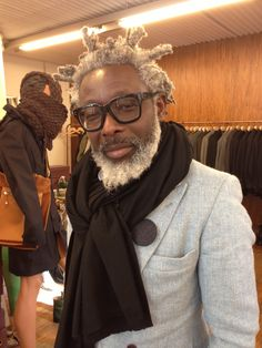 Shop visit: T-Michael, quality and style from Bergen, Norway Dapper Gentleman, Modern Gentleman, Gentleman Style, Dressed To Kill, Well Dressed Men, Older Mens Fashion, Afro Men, White Skinnies, Moda Masculina