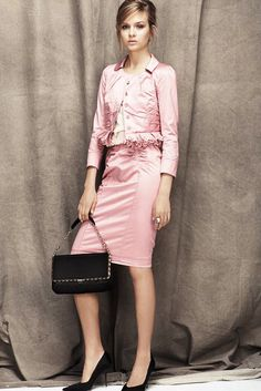 See the complete Nina Ricci Resort 2012 collection.