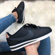 Shop Women's Nike size 5 Sneakers at a discounted price at Poshmark. Description: Brand new black and rose gold Nike Cortez . Black on black with rose gold accents. Sneaker Outfits, Nike Outfits, Converse Sneaker, Zapatillas Nike Huarache, Zapatillas Nike Jordan, Nike Fashion, Sneakers Fashion, Fashion Outfits, Cortez Shoes
