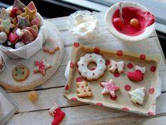Dollhouse miniature baking holiday cookies set by Kimsminibakery