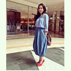 Denim over Blue shirt Friday outfit  Zara Blouse  www.belowcepek.com skirt  Salvatore ferragamo shoes  Speedy bag LV