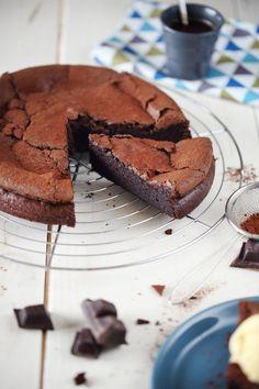 Je vous avais dit que j'étais rentrée dans une période chocolat et particulièrement dans les gâteaux au chocolat. Mais là, je crois que je vais m'arrêter p