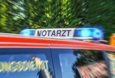 Gmunden: Auto prallte frontal gegen Betonmauer – Lenkerin schwer verletzt.