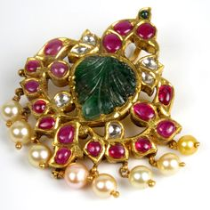 Indian Gold Jewelry Near Me Gold Jewelry Simple, White Gold Jewelry, Emerald Jewelry, Buy Gold Jewellery Online, Gold Jewellery Design, Locket Design, Bohemia Jewelry, Mens Sterling Silver Necklace, Marcasite Jewelry