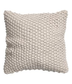 Moss-knit cushion cover with woven cotton fabric at back. Moss-knit cushion cover with woven cotton fabric at back. Knitted Cushion Covers, Knitted Cushions, Knitted Blankets, Cushion Fabric, Dark Grey Couches, Blanket Basket, Knit Pillow, Diy Couture, Grey And Beige
