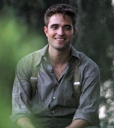 Today, I saw an image of Robert Pattinson, which made him look handsome and it had nothing to do with vampires! This is from his new film Water for Elephants, I not normally a fan of his looks but dang he looks good here. :)