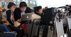 Mỹ xem xét lệnh cấm máy tính xách tay đối với tất cả các chuyến bay