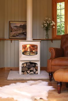 Everything you need to know about open fires and stoves wood burner Wood Fuel, Multi Fuel Stove, Log Burner, Open Fires, Hearth, Sweet Home, Home Appliances, House Design, Interior Design