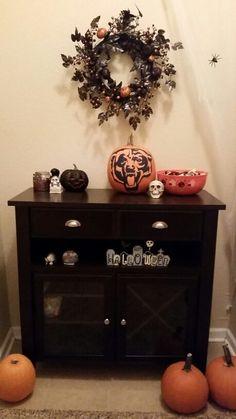 chicago bears painted pumpkin halloween decorations
