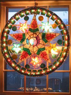 "The ""parol"", a traditional filipino Christmas Parol, Christmas Lanterns Diy, Star Lanterns, Christmas Star, Christmas Crafts, Christmas Ideas, Christian Christmas, Winter Solstice, Filipino"