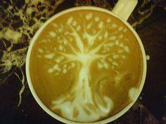 tree coffee foam art