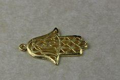 Fornitura - Colgante Mano de FatimaJamsa 2x3 cm.chapado en oro mate de 22k para usar en joyería y alta bisuteria.