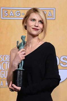 Claire Danes Photos Photos: Stars at the SAG Awards Celebrity Crush, Celebrity Style, Carrie Mathison, Red Carpet Makeup, Claire Danes, Sag Awards, Blonde Women, Famous Women, Best Actress