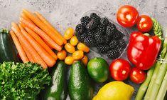click4crete            : 10 τροφές για να φαίνεστε 10 χρόνια νεότεροι Carrots, Vegetables, Food, Essen, Carrot, Vegetable Recipes, Meals, Yemek, Veggies
