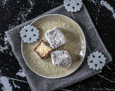 Here is how to make Čupavci. These tasty treats are a European version of the famous Australian Lamingtons. Čupavci are a sponge cake dipped in chocolate sauce and covered with coconut. Simple and tasty. Croatian Recipes, Hungarian Recipes, Russian Recipes, Russian Foods, Banana Dessert, Dessert Bread, Cake Dip, English Food, Sponge Cake