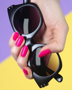 Hannah Rox It painted these neon nails in Complete Salon Manicure shade, Back to the Fuchsia. Sally Nails, Neon Nails, Sally Hansen, Manicure, Nail Polishes, Magenta, Salons, Mirrored Sunglasses, Beauty Hacks