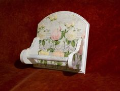 Kitchen paper towel holder Kitchen Paper Towel, Paper Towel Holder, Kitchen Accessories, Decoupage, Projects To Try, Decorative Boxes, Beautiful Things, Home Decor, Kitchen Fixtures