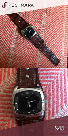 Men's Fossil watch. Men's large brown leather Fossil watch. Face has a few scratches as seen in second picture. Fossil Accessories Watches