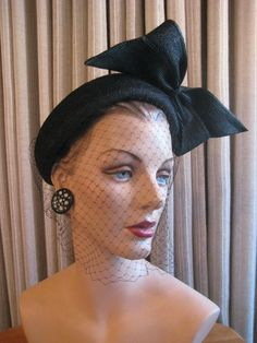 50's Straw Hat with large straw side bow and veiling. Lansburgh's Washington D.C., New York - Paris.