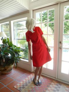 Take 30% off Vintage Richard Harwood Dallas textured polyester knit red dress…