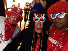 Chillin' out on da town @ Toyota Center with da fellas watching the Houston Rockets vs the Dallas Mavericks game 2 Playoffs Sam Sneed, Rockets Basketball, Toyota Center, New Orleans Pelicans, Nba Playoffs, Dallas Mavericks, Houston Rockets, Mens Sunglasses, Game