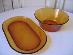 Plat et saladier Duralex en verre ambré / Ensemble de plats de service en verre…