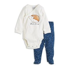 A soft set with a long sleeve body and full feet trousers. With foldable cuffs and double snap fastening at the crotch your baby can grow one size keeping the same garment.  <i>10% of the sales of this item will go to the WaterAid organisation. When you buy this organic baby item you are supporting WaterAid in the aim to improve the water resources, hygiene and sanitation to the world's poorest communities.</i>