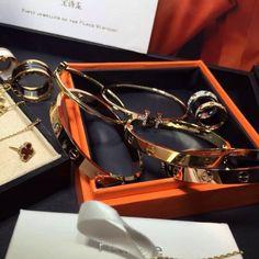 Handbag Accessories, Jewelry Accessories, Fashion Accessories, Fashion Jewelry, Fashion Fashion, Cartier Tank, Cartier Gold, Love Bracelets, Cartier Love Bracelet