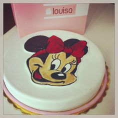 I love my Minnie Mouse birthday cake!