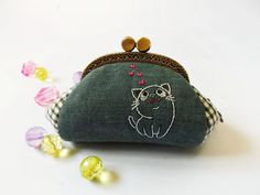 Coin purse / Cat purse / Cat embroidery / Cat coin by DooDesign