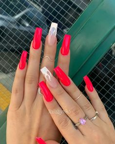 Lovely Styles - Looks of Red Nails for Girls Red Acrylic Nails, Simple Acrylic Nails, Summer Acrylic Nails, Aycrlic Nails, Neon Nails, Hair And Nails, Cute Red Nails, Short Red Nails, Red Ombre Nails