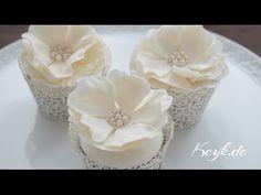 Hochzeits Cupcakes: Blütenpaste Rose mit Zuckerperlen Brosche - Satin Ice und FunCakes - YouTube
