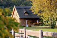 Balatonszepezd - tervező: Mérmű Építész Stúdió Cottage Homes, Traditional House, How Beautiful, Hungary, Countryside, My House, House Styles, City, Modern